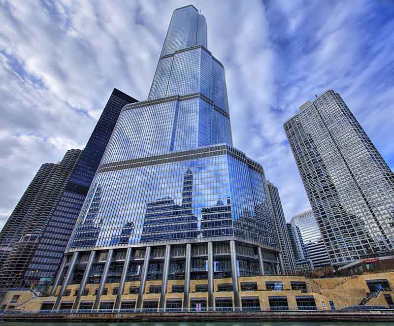 trump-international-hotel-and-towe-chicago-vertical-panoramic